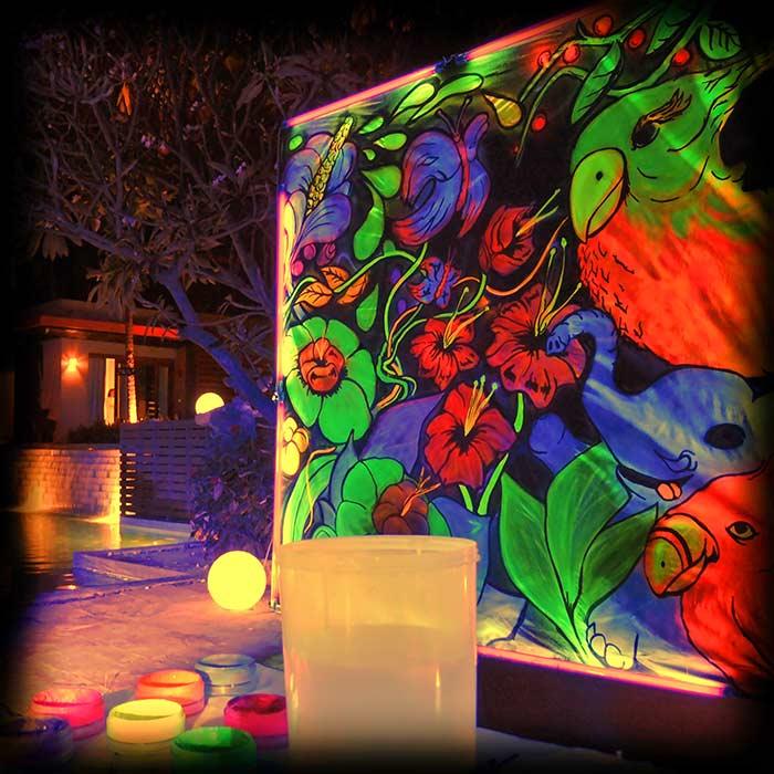 Vinni kiniki graffiti mural artist for hire london based black uv black light neon graffiti mural mozeypictures Image collections