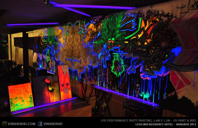 Black light art uv reactive find neon glow style artist for Black light mural