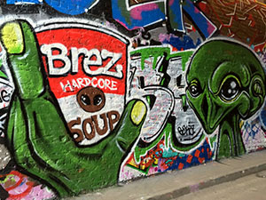 Graffiti alien London Leake Street Tunnel