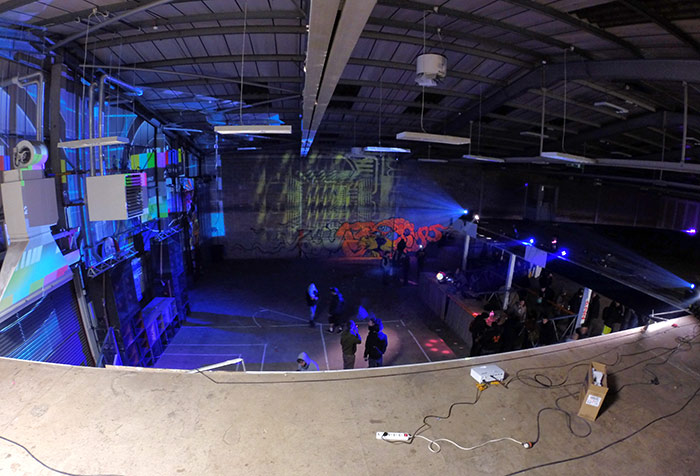 vinnikiniki_com-warehouse-party-graffiti