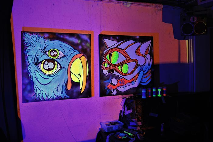 Live black light art