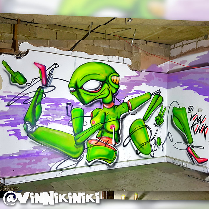sex droid alien autopsy graffiti Vinni Kiniki